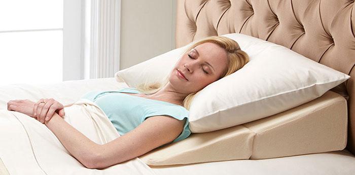 نحوه خوابیدن صحیح بعد از کاشت ابرو